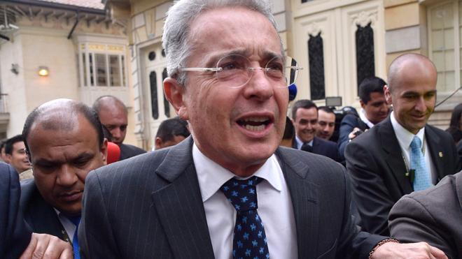 Uribe prefiere «paz para todos» en Colombia antes que un «acuerdo débil»