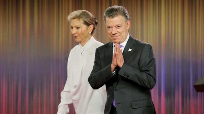Santos ve el Nobel de la Paz como un «mandato» para salvar el acuerdo con las FARC