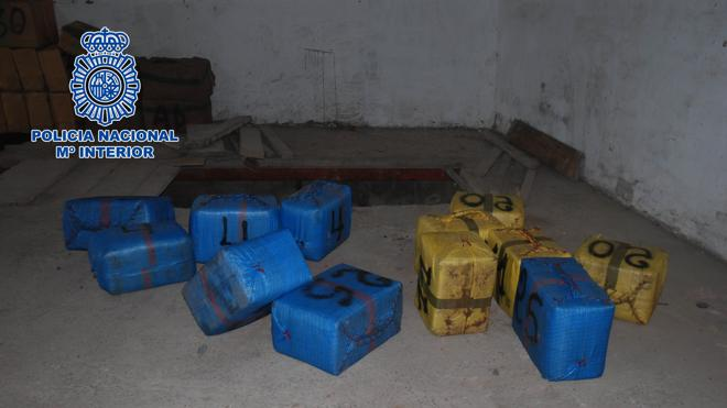 La Policía se incauta de 1.800 kilos de hachís ocultos en un garaje de La Línea
