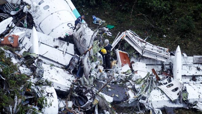 El piloto del avión informó del fallo eléctrico y de la falta de combustible
