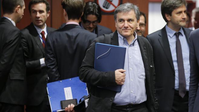 El Eurogrupo acuerda un ligero alivio de la deuda de Grecia
