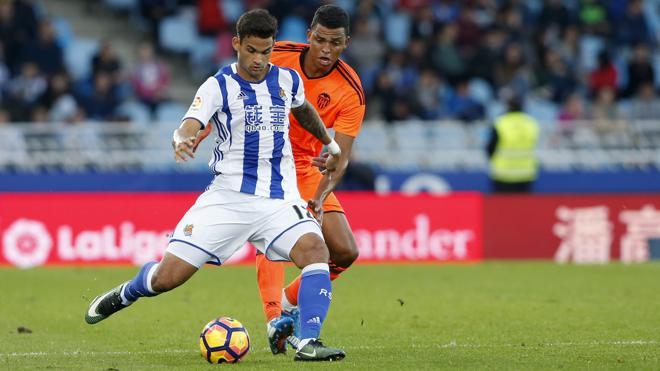 Una Real lanzada prolonga la agonía del Valencia
