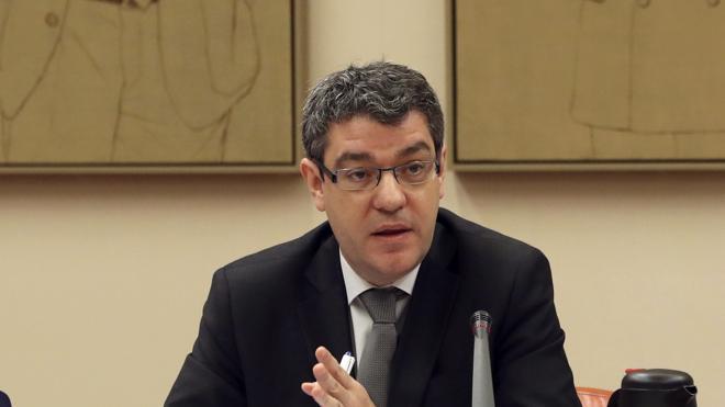 El Gobierno quiere transformar el descuento del bono social en una ayuda