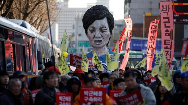 Seúl vuelve a llenarse de manifestantes para exigir la destitución de Park