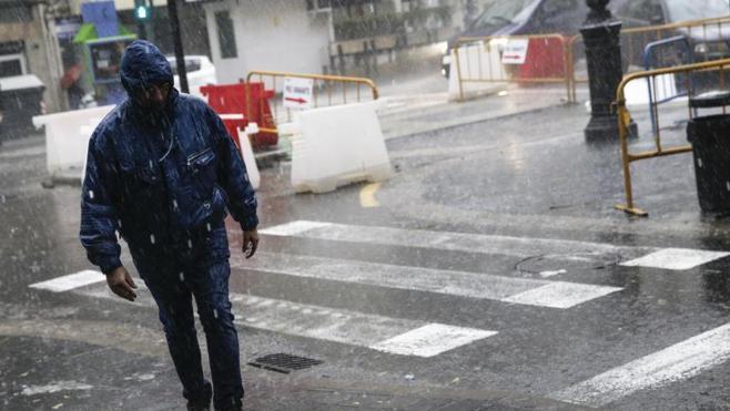 Alerta en Alicante, Valencia, Murcia y Baleares por las fuertes lluvias