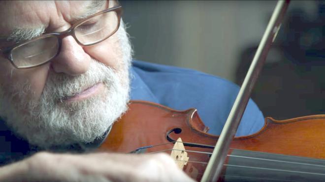 Un violín del Holocausto para cambiar la vida de Brianna