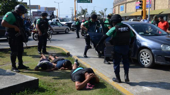Seis muertos y más de 1.500 detenidos en las protestas por el «gasolinazo» en México
