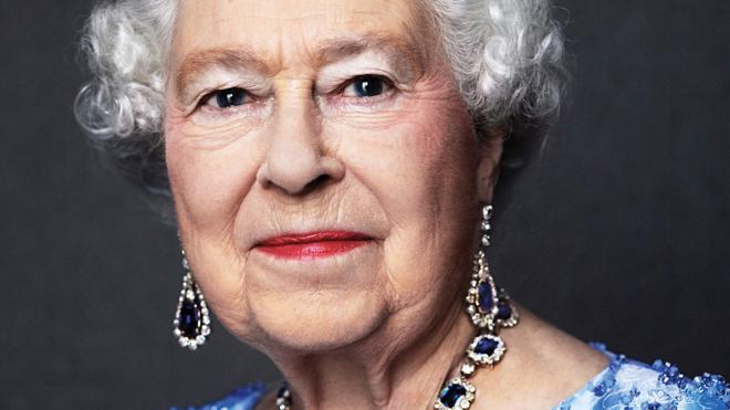 La reina Isabel II cumple 65 años en el trono