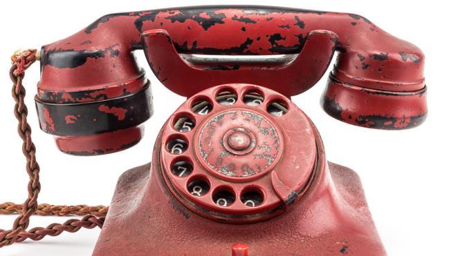 Venden el teléfono personal de Hitler por 229.000 euros