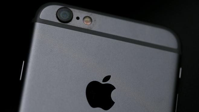 Apple y Samsung prometen reparar sus fallos de seguridad tras las filtraciones de WikiLeaks