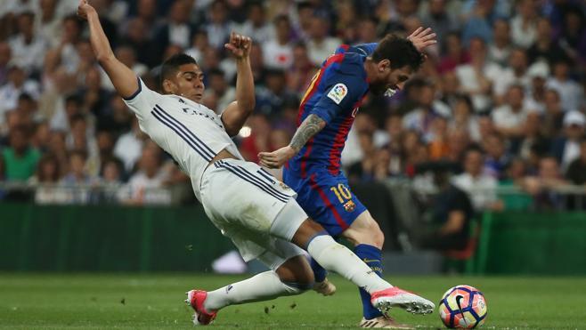 Casemiro roba el protagonismo blanco a Bale