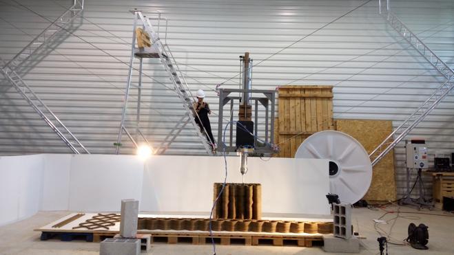 El primer robot de cables que imprime en 3D es español