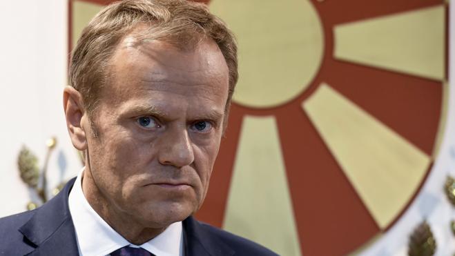 Tusk: «Se debe resolver primero el 'Brexit' antes de hablar de comercio»