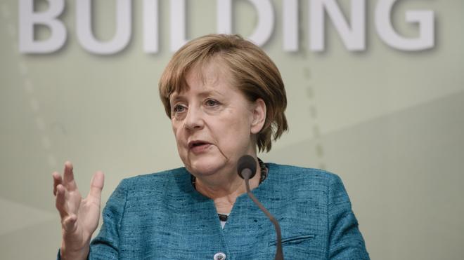 Merkel advierte a Londres de que el fin del libre movimiento de personas tendrá precio