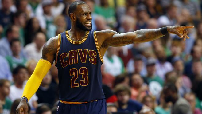 LeBron y los Cavaliers arrollan a los Celtics