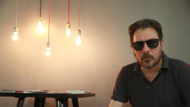 Ray Loriga: «Escribir es una subversión constante»