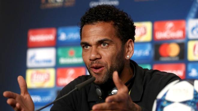 Alves reclama 'vendetta'