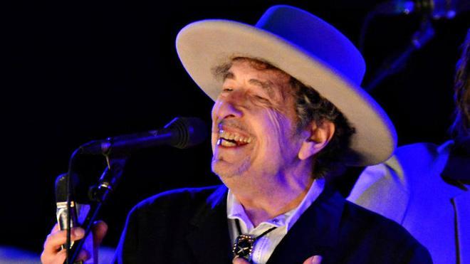 Bob Dylan envía el discurso y recibirá el premio Nobel en efectivo