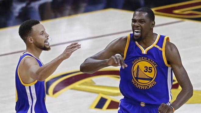Los Warriors encargan el anillo