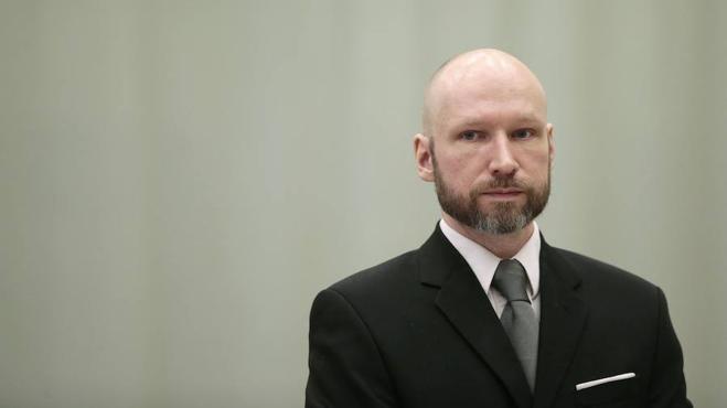 El asesino noruego Anders Breivik se cambia el nombre