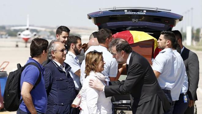 El cuerpo del «héroe» Ignacio Echeverría ya está en casa