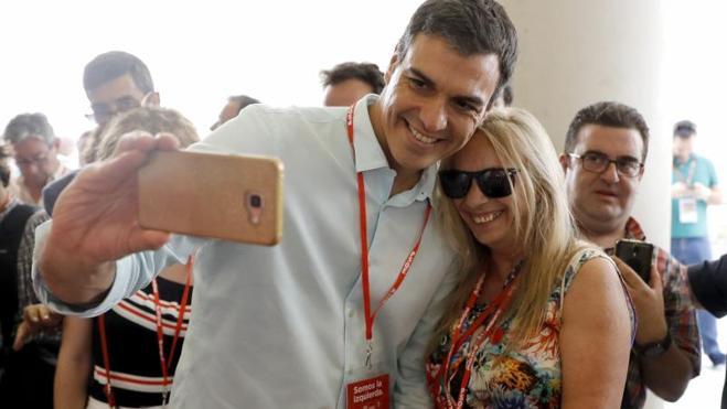 Sánchez logra un aval de solo el 70,5% de los delegados del PSOE a su ejecutiva sin integración