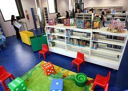 Sala infantil de la Biblioteca, situada en la calle Santos Ascarza./JUAN MARÍN/