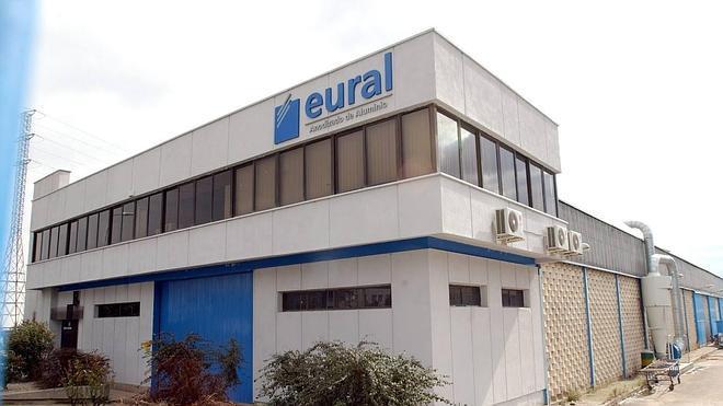 Los trabajadores de Eural temen el cierre tras el despido de 17 empleados en Logroño