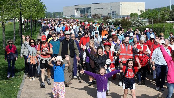 Unas 1.500 personas participan en el segundo Paseo Saludable