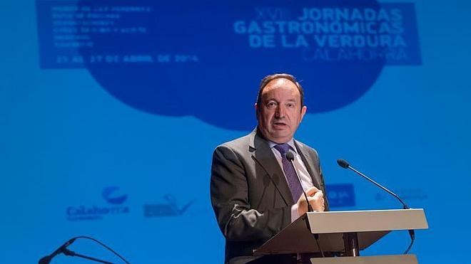 """Sanz destaca la """"apuesta decidida"""" por el sector agroalimentario en La Rioja"""
