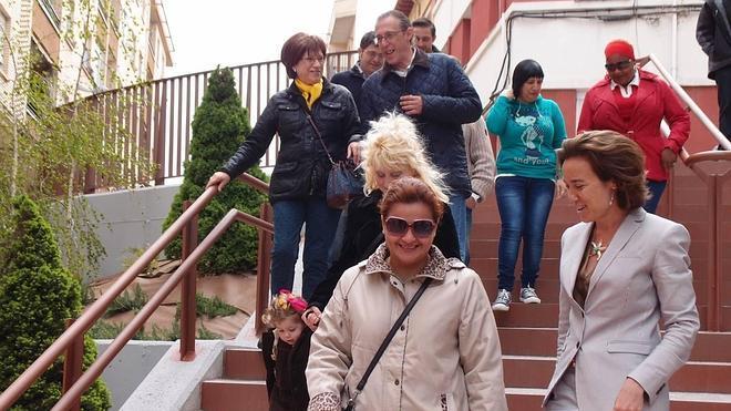 San Bernabé y Pino estrenan aceras