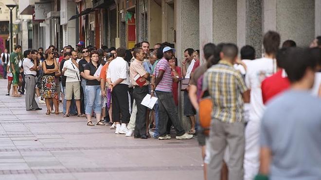 El paro baja en 1.300 personas en La Rioja el primer trimestre