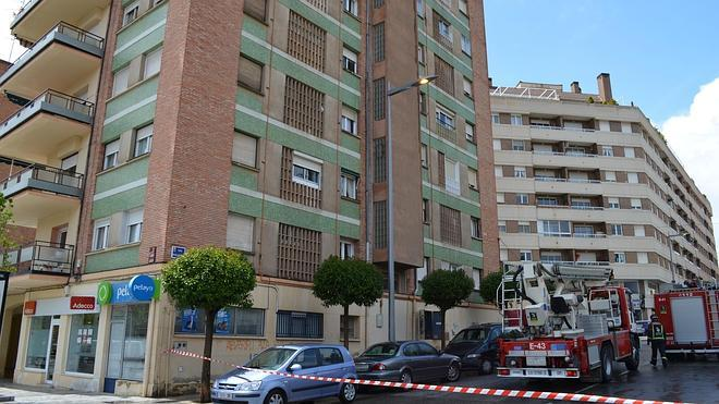 Desalojan un edificio en Calahorra tras un incendio que podría haberse originado por un rayo