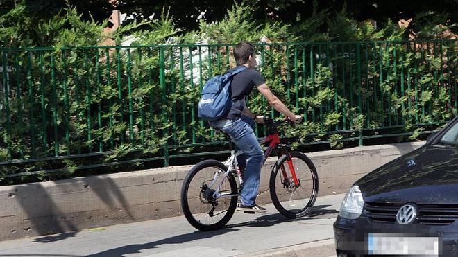 """Circular en bici por la acera """"costará"""" 200 euros"""