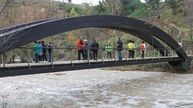 Construcciones Solana levantará la pasarela sobre el Cidacos por 104.000 euros
