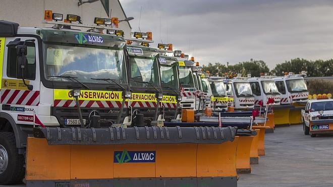 Desplegados dos equipos quitanieves para facilitar la circulación en Montenegro y Sancho Leza