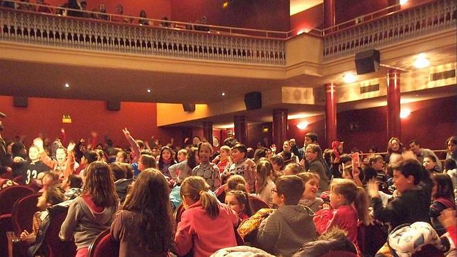 'El Bretón con la Escuela' programa 16 funciones para 10.000 escolares