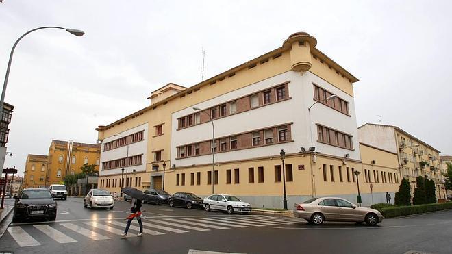 El derribo de la Comisaría de Avenida de Viana se licitará antes del verano