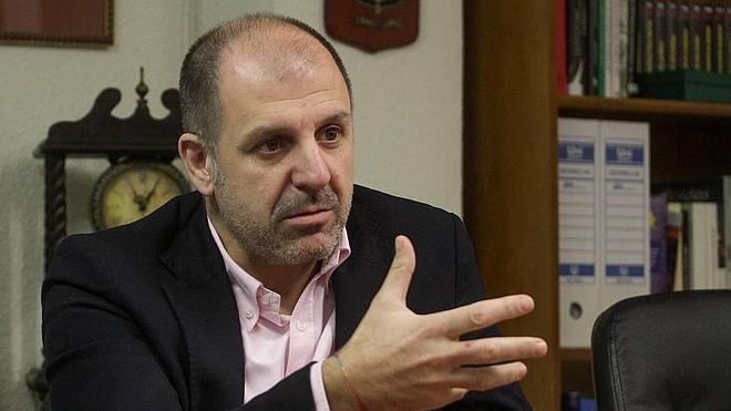 Legarra: «Lo de Ceniceros es una continuidad teledirigida por Sanz»
