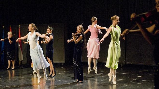 El grupo ruso de danza 'Olesya Petrasen' cierra en Logroño el Festival de Instrumentos Populares