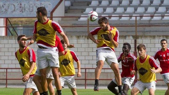 Las Gaunas vuelve a la realidad de la UD Logroñés