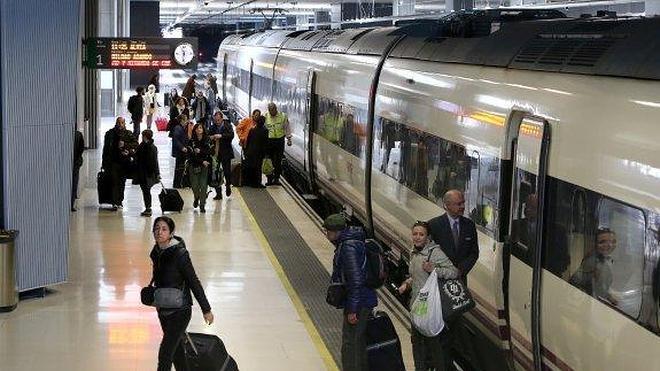 Empresarios y sindicatos coinciden en que la exclusión del AVE dejaría a La Rioja aislada