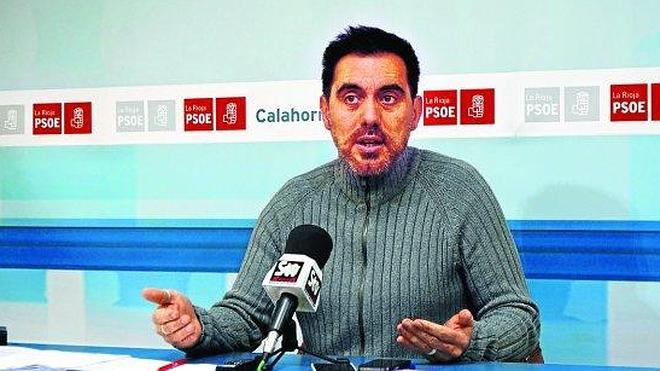 El PSOE denuncia el incumplimiento de la ordenanza para los vados permanentes