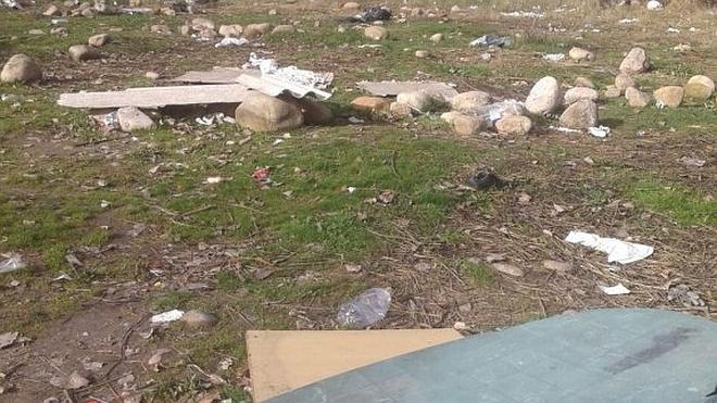 Lleno de basura tras las acampadas