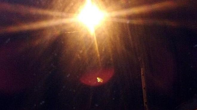 Una luz que se enciende y se apaga