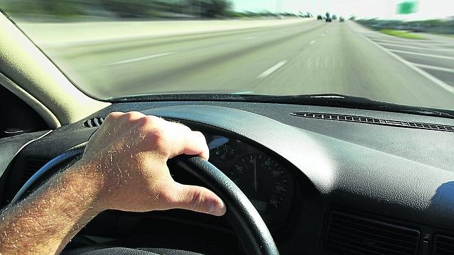 Las carreteras nacionales y autonómicas recuperan el tráfico anterior a la crisis