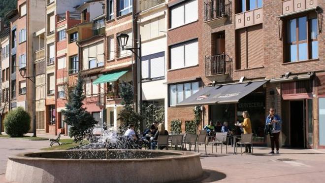 La ordenanza najerina de terrazas limita el espacio publicitario en mesas y sillas