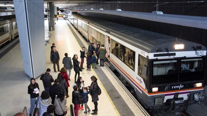 El Tren del Vino, retenido en la estación de Haro por una avería mecánica
